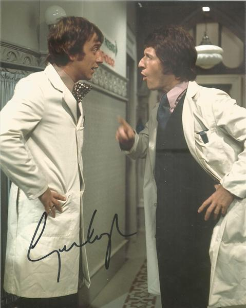 George Leyton signed 10 x 8 colour Doctor photo